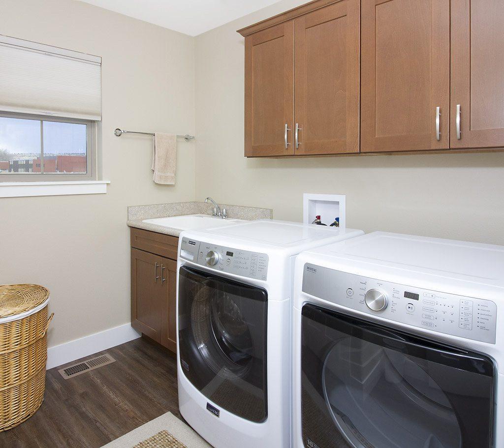 laundry 5 - East Rosebud