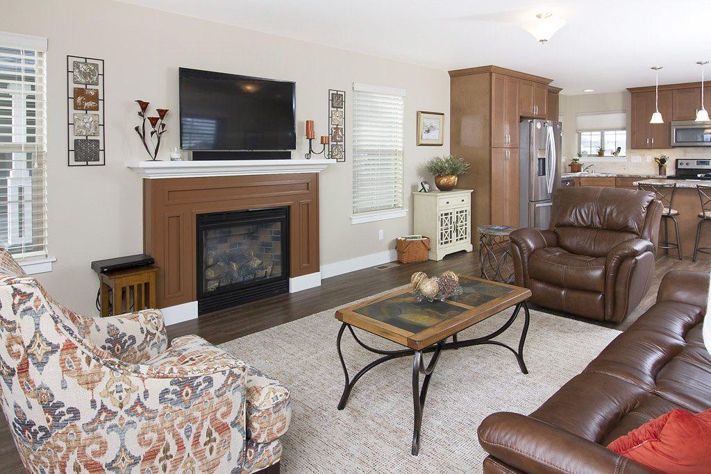 living room 2 - East Rosebud
