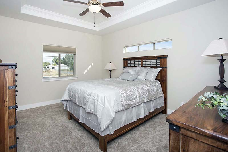 master bed1 - Absaroka Valley