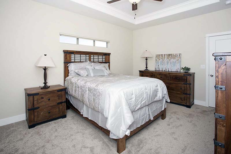 master bed2 - Absaroka Valley